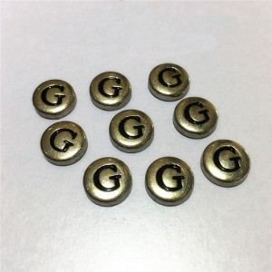 metal letter g rivets  3