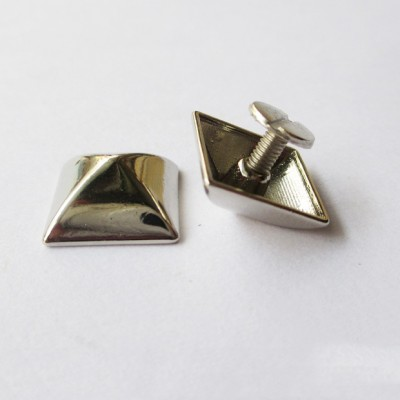 NO1515 Custom Pyramid Spikes 15X15mm 100pcs/bag