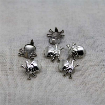 D009 Diy Skull Studs 13x12mm 100pcs/bag