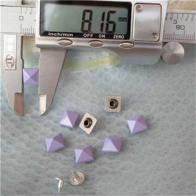 K032 Pyramid Alloy Rivets 8mm 100pcs/bag