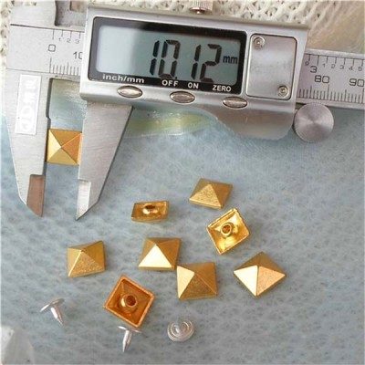 K036 Pyramid Alloy Rivets 10mm 100pcs/bag