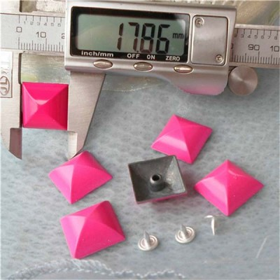 XK062 Pyramid Alloy Rivets 18mm 100pcs/bag