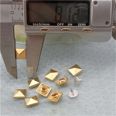 K064 Pyramid Alloy Rivets 8mm 100pcs/bag
