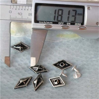 K180 Pyramid Alloy Rivets 18mm 100pcs/bag