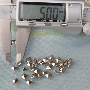 T002 Pyramid Rivets(iron/brass)5mm 1000pcs/bag