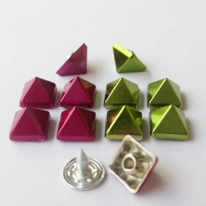 X8507 Pyramid Alloy Rivets 8.5x7mm 100pcs/bag