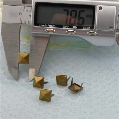 A005Two-Claws Pyramid Two Claws Studs(iron/brass) 8mm 1000pcs/bag