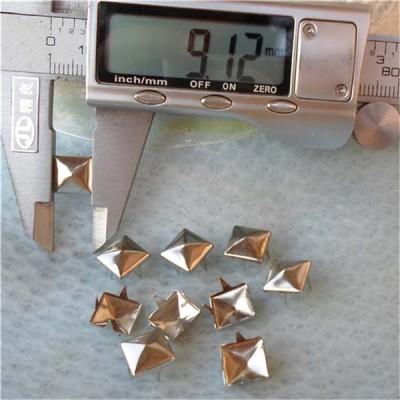 A006 Pyramid Studs(iron/brass) 9mm 1000pcs/bag