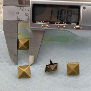 A008 Pyramid Two Claws Studs(iron/brass) 11mm 1000pcs/bag