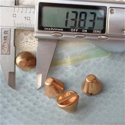 F069 Bucket ABS Sew Spikes 14x10mm 1000pcs/bag