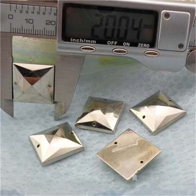 F074 Pyramid ABS Sew Spikes 20mm 1000pcs/bag