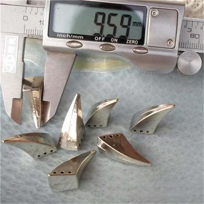 F1025 Ox Horn Sew on Spikes 10x25mm 100pcs/bag