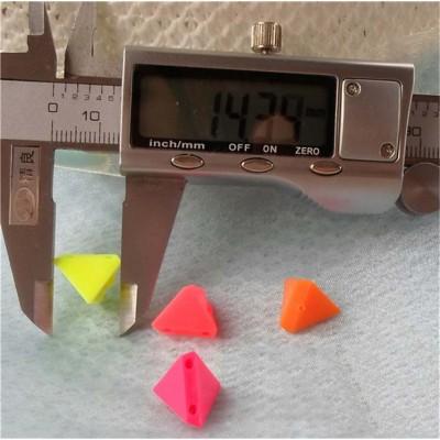 F1412 Triangle Sew Spikes 14x12mm 1000pcs/bag