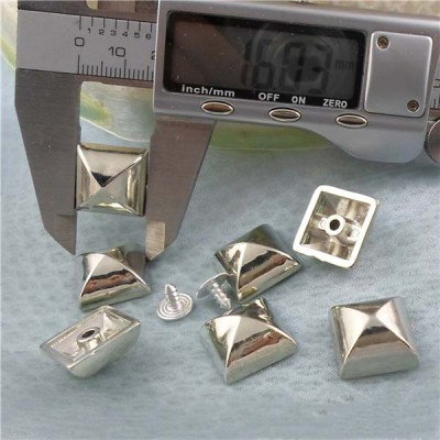 Q023 Yurt Pyramid Plastic Rivets 16mm 1000pcs/bag
