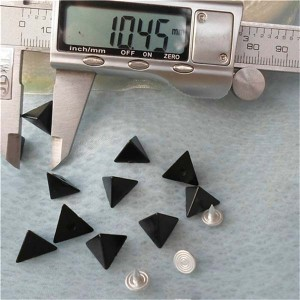 Q027 Triangle ABS Rivets 12x7mm 1000pcs/bag