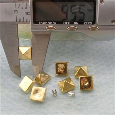 Q050 Pyramid Plastic Rivets 9.5mm 1000pcs/bag