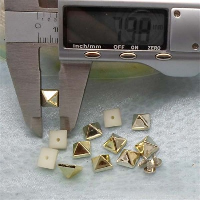 Q119 Pyramid Plastic Rivets 8mm 1000pcs/bag