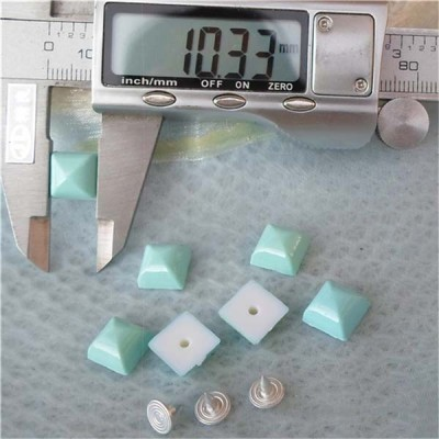 Q134 Yurt Pyramid Plastic Rivets 10mm 1000pcs/bag