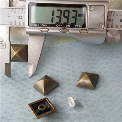 Q138 Yurt Pyramid Plastic Rivets 14mm 1000pcs/bag