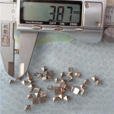 Q147 Pyramid Plastic Rivets 4mm 1000pcs/bag