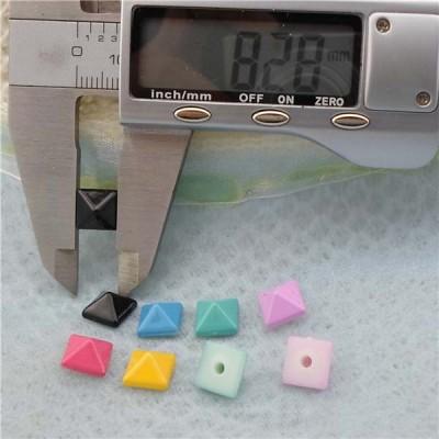 Q165 Pyramid Plastic Rivets 8mm 1000pcs/bag