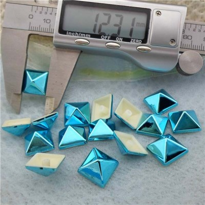 Q192 Pyramid Plastic Rivets 12.5mm 1000pcs/bag