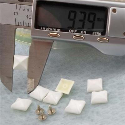 Q206 Yurt Pyramid Plastic Rivets 9.5mm 1000pcs/bag