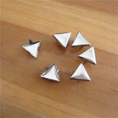 XT1002 Metal Triangle Studs(iron/brass) 10mm 1000pcs/bag
