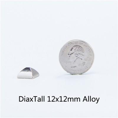 J1212 Pyramid Spikes 12x12mm 100pcs/Bag