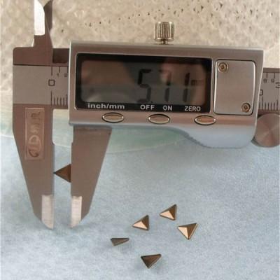 X046 Metal Triangle  Hot Fix nails 6x2mm 5000pcs/Bag