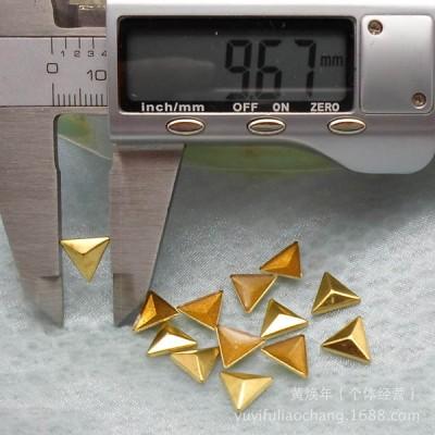 X047 Metal Triangle  Hot Fix nails 10x2mm 5000pcs/Bag