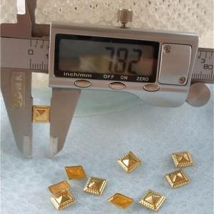 X057 Metal Pyramid Hot Fix nails 8x2.5mm 5000pcs/Bag