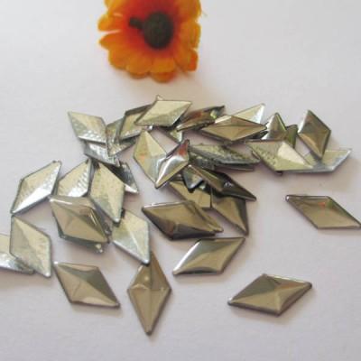 XO0408 Metal Rhombus Hot Fix nails 5000pcs/Bag