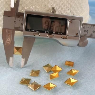XX052 Metal Pyramid Hot Fix nails 9x2mm 5000pcs/Bag