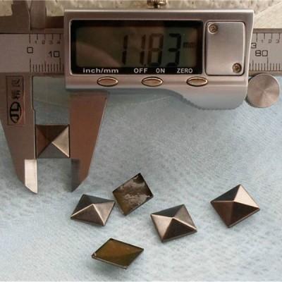 XX054 Metal Pyramid Hot Fix nails 12x3mm 5000pcs/Bag