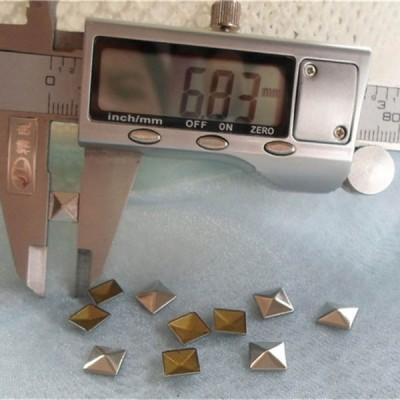 XX6818 Metal Pyramid Hot Fix nails 7x2mm 5000pcs/Bag