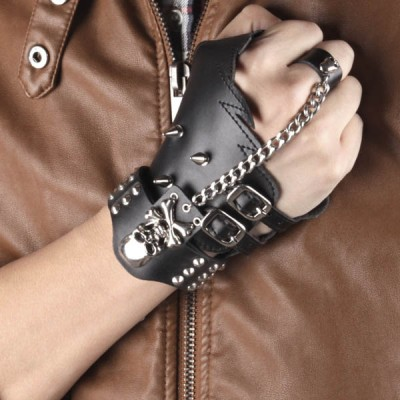 Skull-Spikes-Rivets-Punk-Gloves HJ215