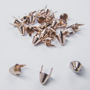 UK77 Cone Studs Light Gold