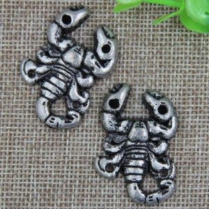 G059 Scorpion Sew Spikes 39x26mm 100pcs/bag