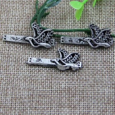 G073 Small Bird Sew Spikes 37mm 100pcs/bag