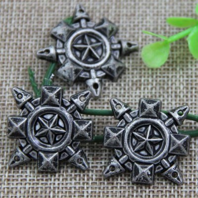 G079 Flower pentagram Sew Spikes 27mm 100pcs/bag