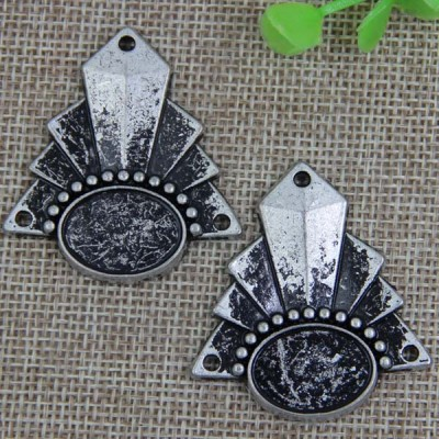 G084 Flower Sew Spikes 42x38mm 100pcs/bag