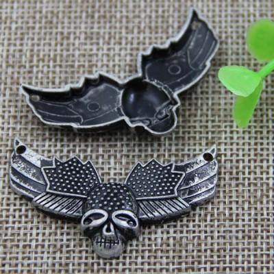 G087 Flying Insects Skull Sew Spikes 43x26mm 100pcs/bag
