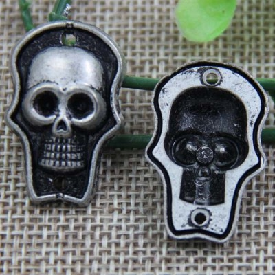 G090 Skull Sew Spikes 28x18mm 100pcs/bag